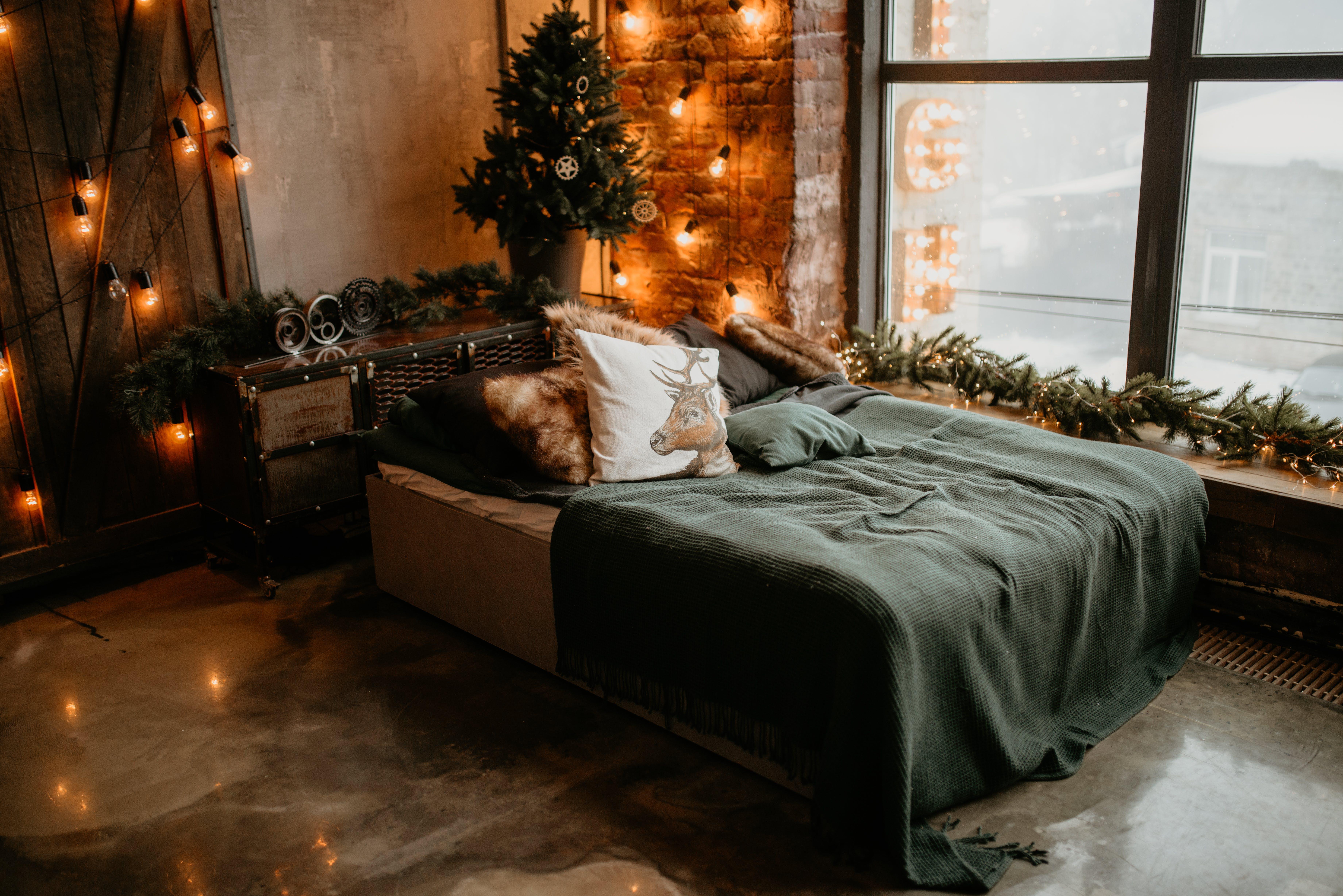 Green Bedspread
