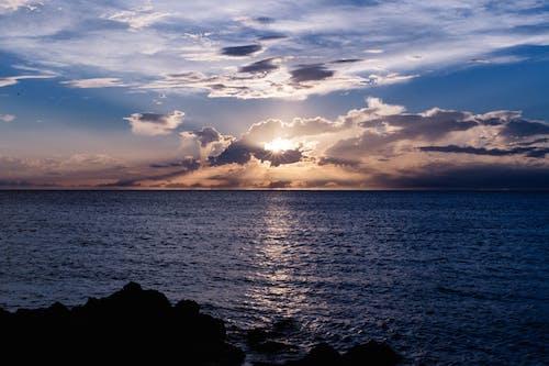 Kostenloses Stock Foto zu dämmerung, dramatisch, himmel, horizont