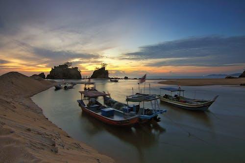 Fotobanka sbezplatnými fotkami na tému člny, dopravný systém, krajina, krajina pri mori