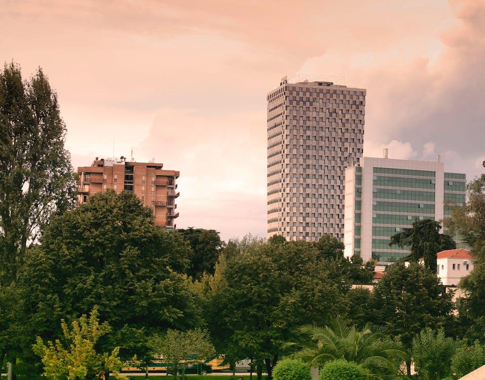 Albánie, architektura, budovy