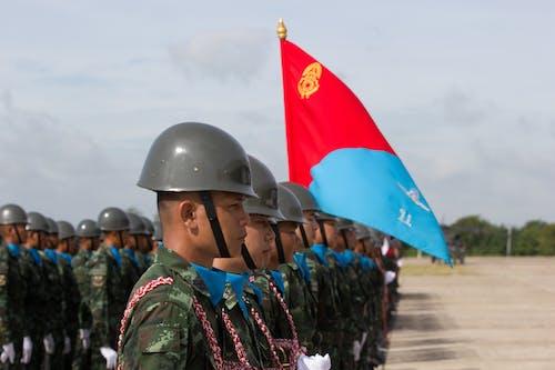 askeri geçit töreni içeren Ücretsiz stok fotoğraf