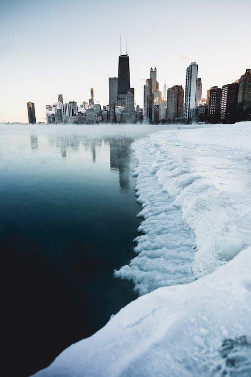 bakış açısı, binalar, buz, buz tutmuş içeren Ücretsiz stok fotoğraf