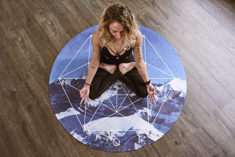 Acro Yoga, aktif, aktivite, aşındırmak içeren Ücretsiz stok fotoğraf