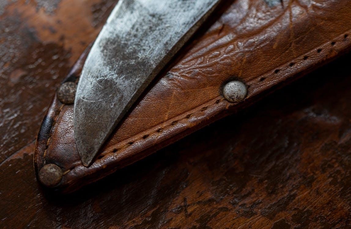 刀架, 刮鬍刀, 皮革
