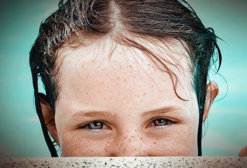 Základová fotografie zdarma na téma dítě, na výšku, oči, střílet