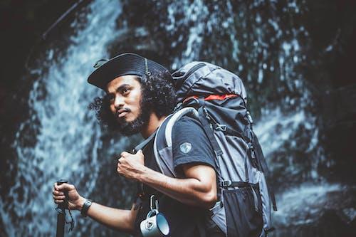 adam, aksiyon, aşındırmak, dağ içeren Ücretsiz stok fotoğraf