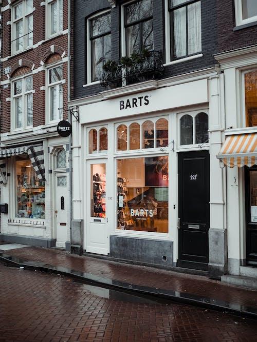 Gratis arkivbilde med arkitektur, butikker, by, bygninger