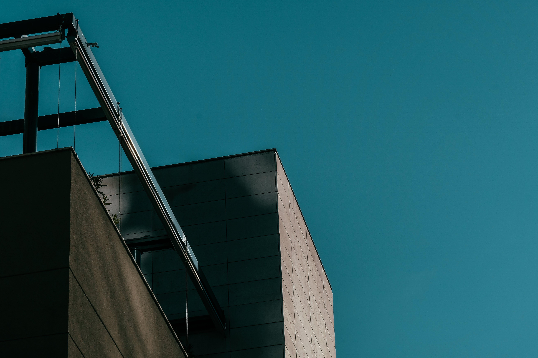 Foto stok gratis Arsitektur, Arsitektur modern, baja, barang kaca