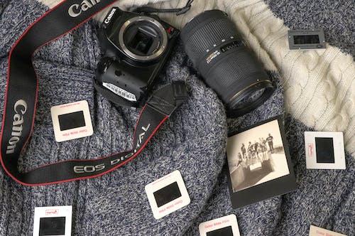 Foto d'estoc gratuïta de 35 mm, càmera, DSLR, flatlay