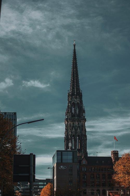 Безкоштовне стокове фото на тему «Windows, архітектура, блакитне небо, будівлі»