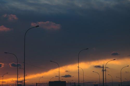 Foto d'estoc gratuïta de colors, pals d'electricitat