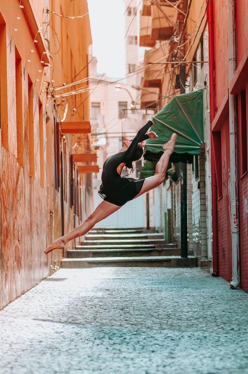 Gratis stockfoto met actief, architectuur, balletdanser, beweging
