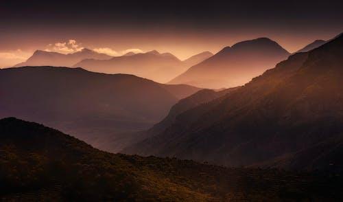 Immagine gratuita di alba, bellissimo, catena montuosa, montagne