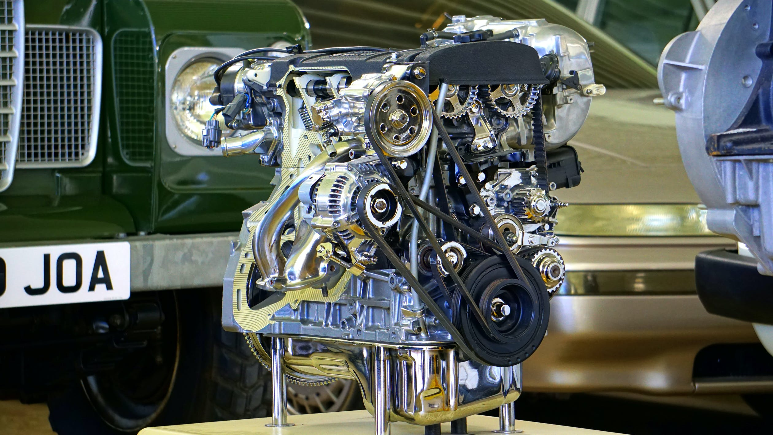 Summarize major diesel engine parts that Indian manufacturers suggest to maintain