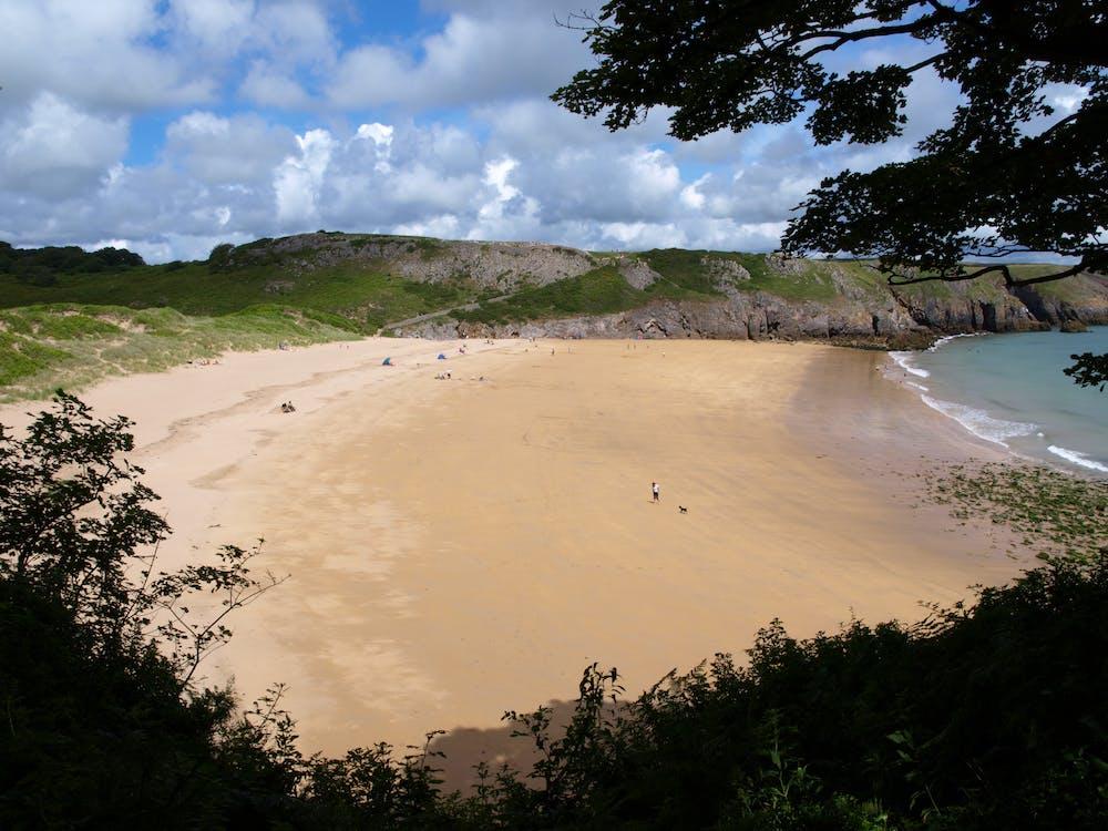 plaj içeren Ücretsiz stok fotoğraf