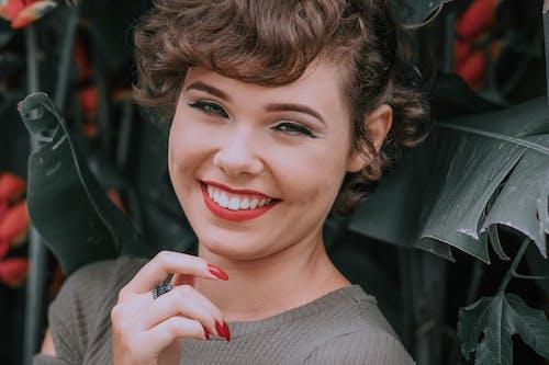 Základová fotografie zdarma na téma hezký, kouzlo, krásný, lak na nehty