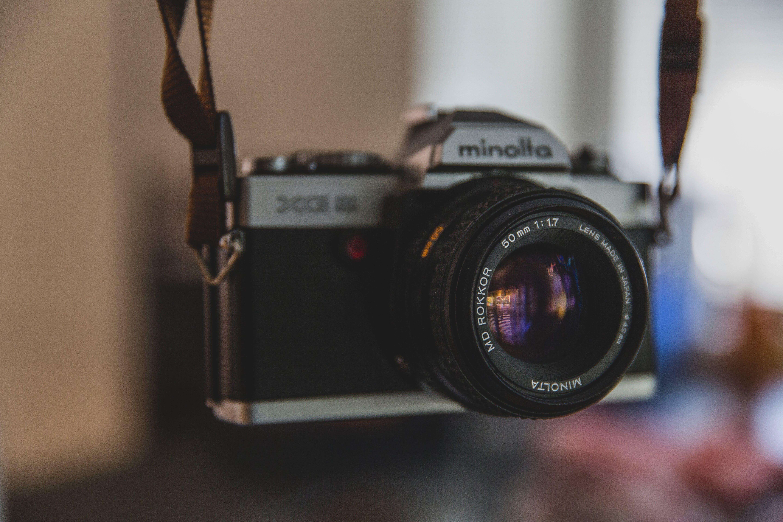 Konika Minolta Silver Black Dslr Camera