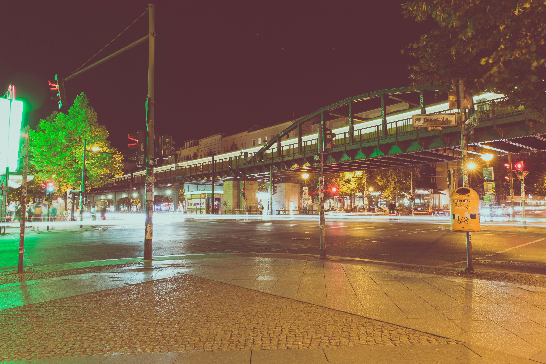 ごみ箱, シティ, ストップライト, ダウンタウンの無料の写真素材