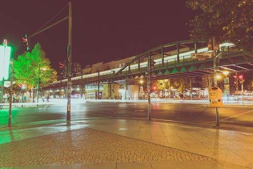 Fotos de stock gratuitas de arboles, autopista, calle, calzada