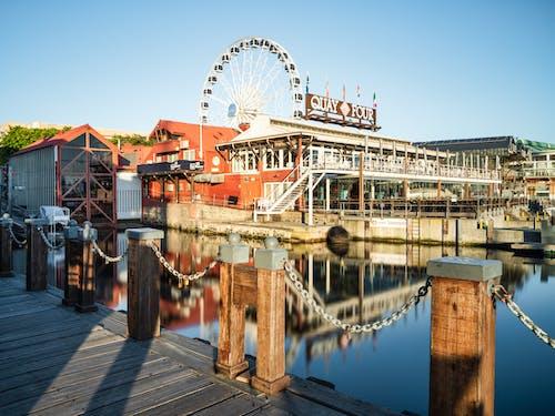 Бесплатное стоковое фото с архитектура, веселье, вода, голубой
