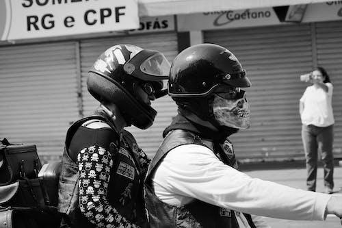 Gratis lagerfoto af daglige refleksioner, ramt gaderne