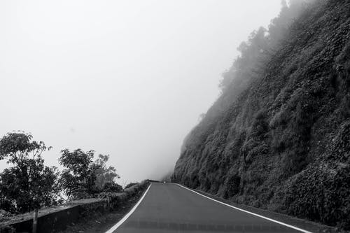 Free stock photo of black and white, dramatic, foggy, india