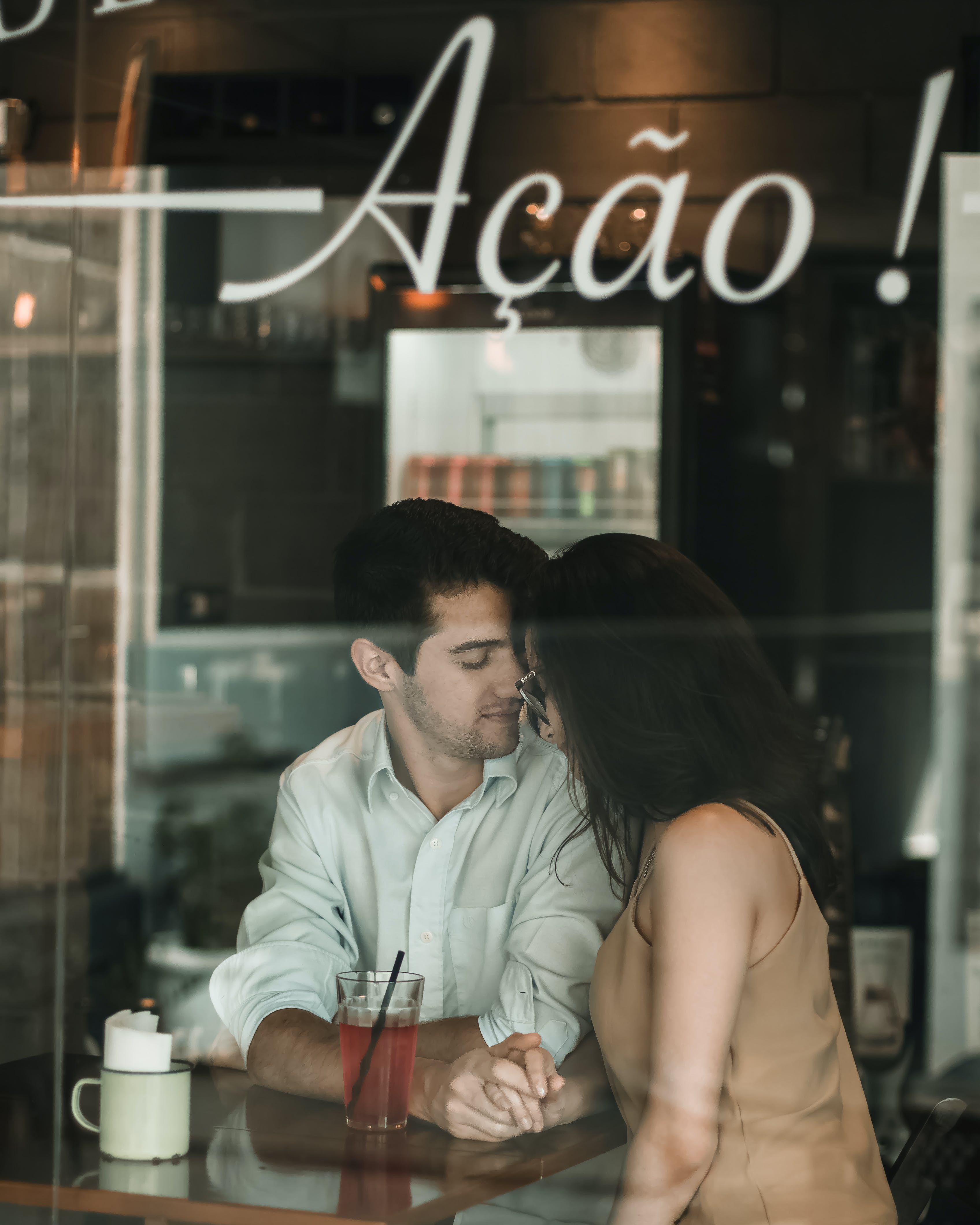Kostenloses Stock Foto zu bar, bar cafe, brille, business