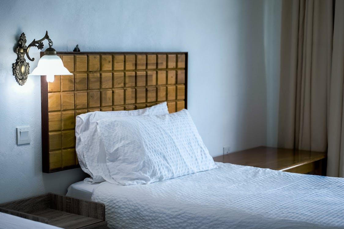 apartmán, čelo postele, dizajn