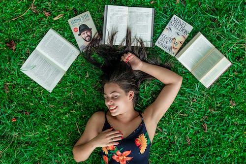 Fotos de stock gratuitas de abierto, Acostado, actitud, atractivo