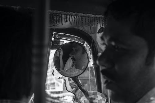 Základová fotografie zdarma na téma auto rickshaw, černobílá, jednobarevný, monochromatický