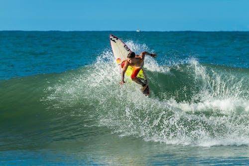 Δωρεάν στοκ φωτογραφιών με Surf, surfrider, surfs, επιφάνεια
