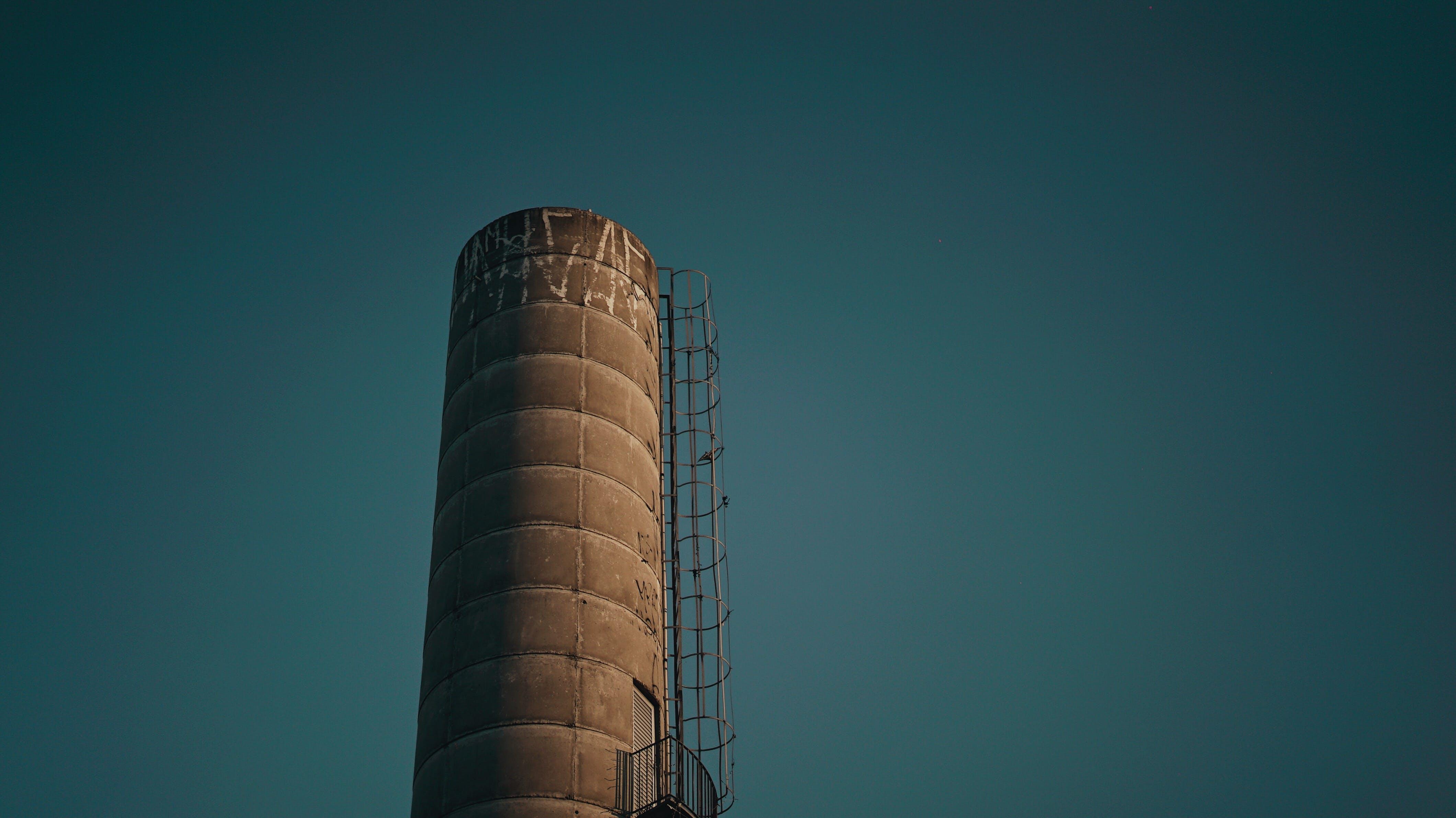 Kostenloses Stock Foto zu architektur, industrie, silo, struktur