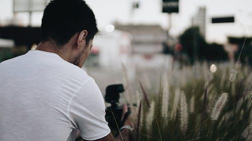 Imagine de stoc gratuită din atmosferă sumbră, bărbat, fotograf, om