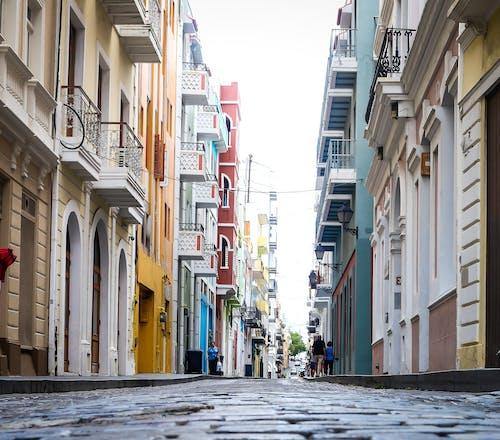 Ảnh lưu trữ miễn phí về các tòa nhà, cảnh quan thành phố, đá cuội, Đầy màu sắc