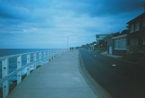 Fotobanka sbezplatnými fotkami na tému architektúra, cesta, chodník, chôdza