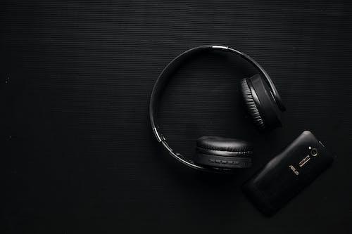 Fotos de stock gratuitas de auricular, auriculares, negro, oscuro