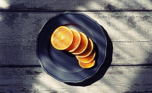 dilimlenmiş, düz zemin, lezzetli, meyve içeren Ücretsiz stok fotoğraf