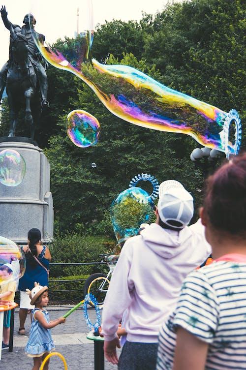 Darmowe zdjęcie z galerii z bańka, bawić się, kolorowy, lato