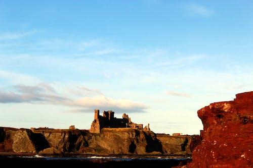 Foto profissional grátis de azul, castanho, castelo de tantallon, céu