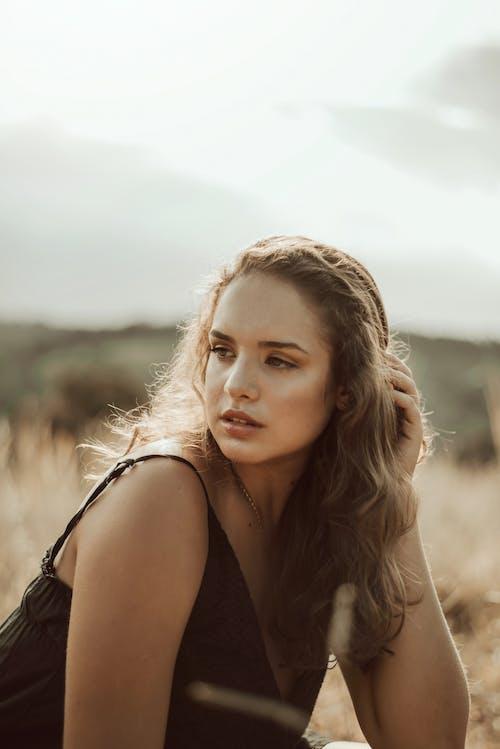 Gratis lagerfoto af ansigtsudtryk, elegant, kvinde, nuttet
