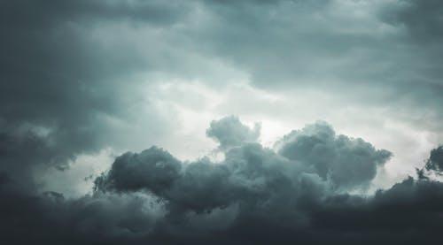 คลังภาพถ่ายฟรี ของ ท้องฟ้าสีเทา, ฝน, ฤดูหนาว, สีเทา