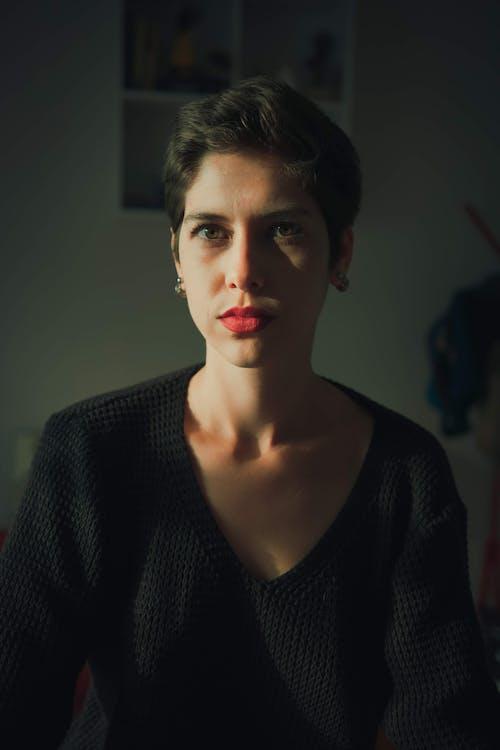 Безкоштовне стокове фото на тему «вираз обличчя, вродлива, Гарний, гламур»
