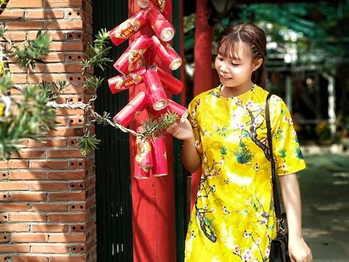 Darmowe zdjęcie z galerii z azjatycka dziewczyna, festiwal, kolor, nowy rok