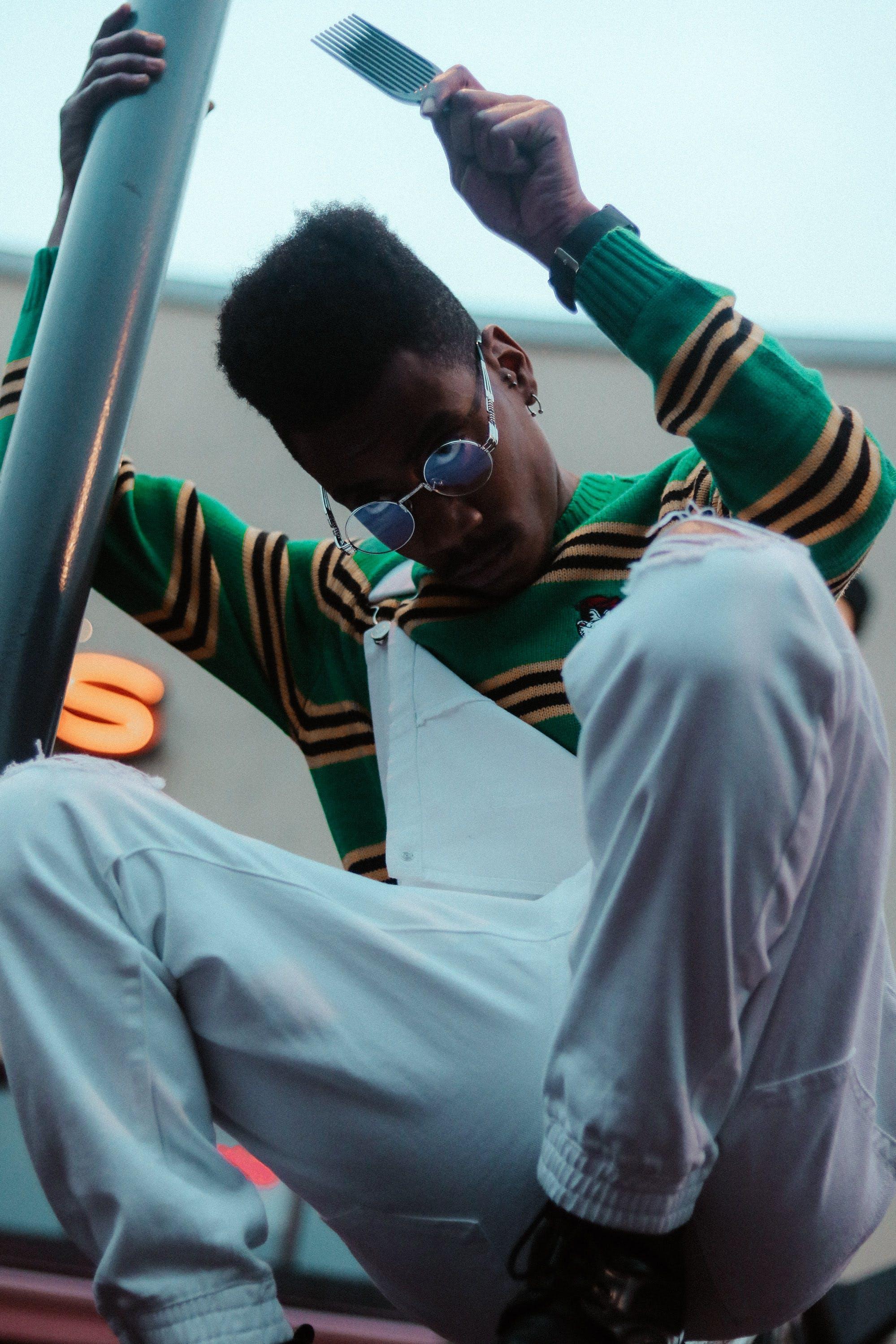 Foto profissional grátis de adulto, afro, desgaste, estilo