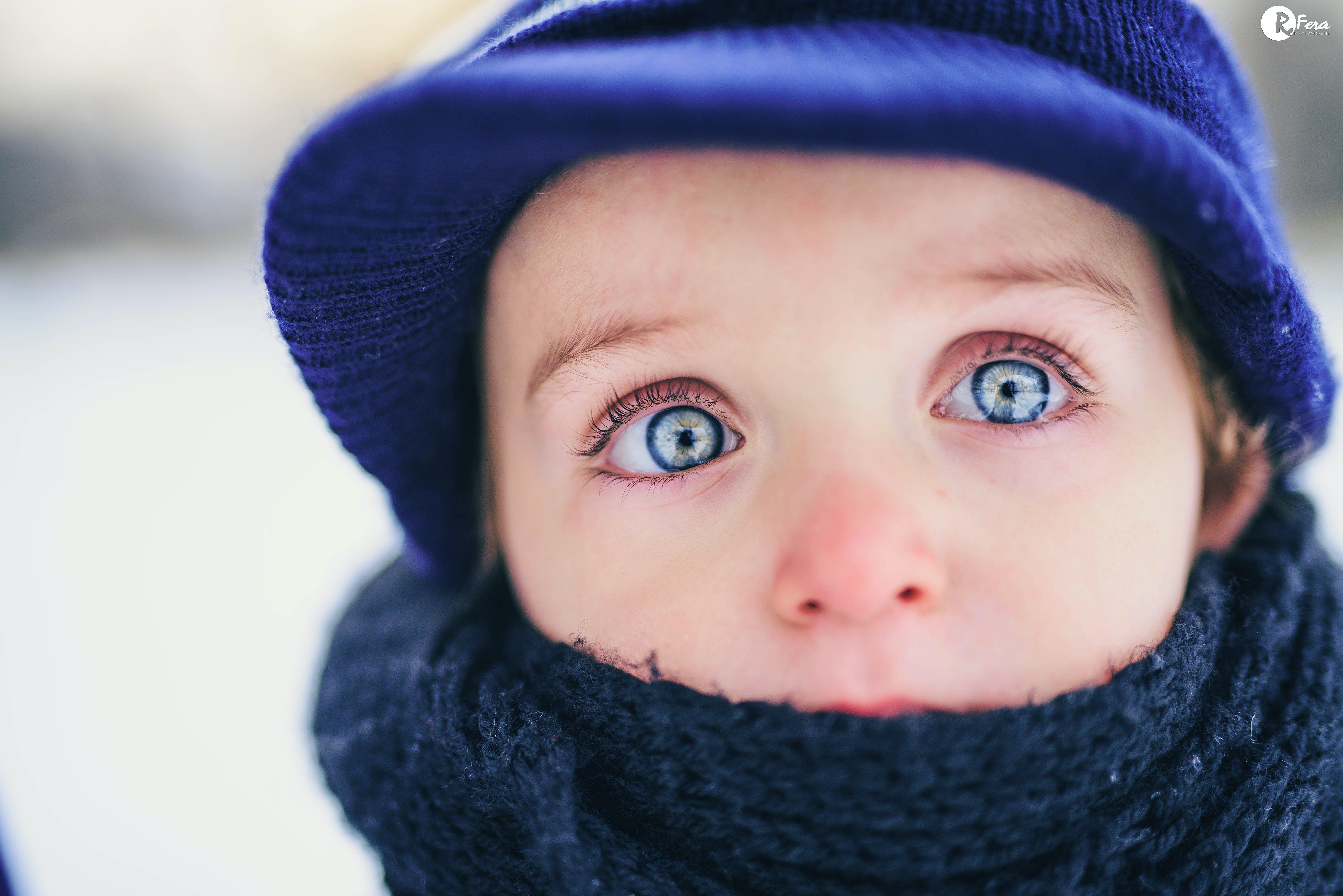 Kostenloses Stock Foto zu augen, blau, kind, schnee