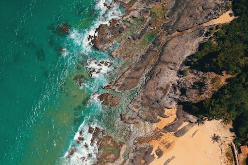 Ilmainen kuvapankkikuva tunnisteilla aallot, hiekkaranta, kesä, kivet