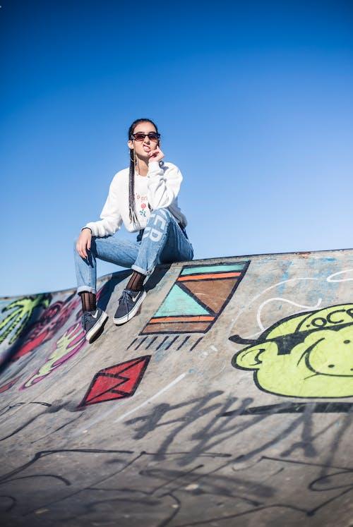 Foto d'estoc gratuïta de art de carrer, bellesa, bonic, dona