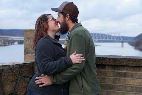 Foto profissional grátis de atraente, casado, casado agora mesmo, casal