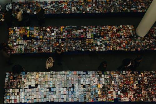 Darmowe zdjęcie z galerii z dvd, kasety, kupować, ludzie