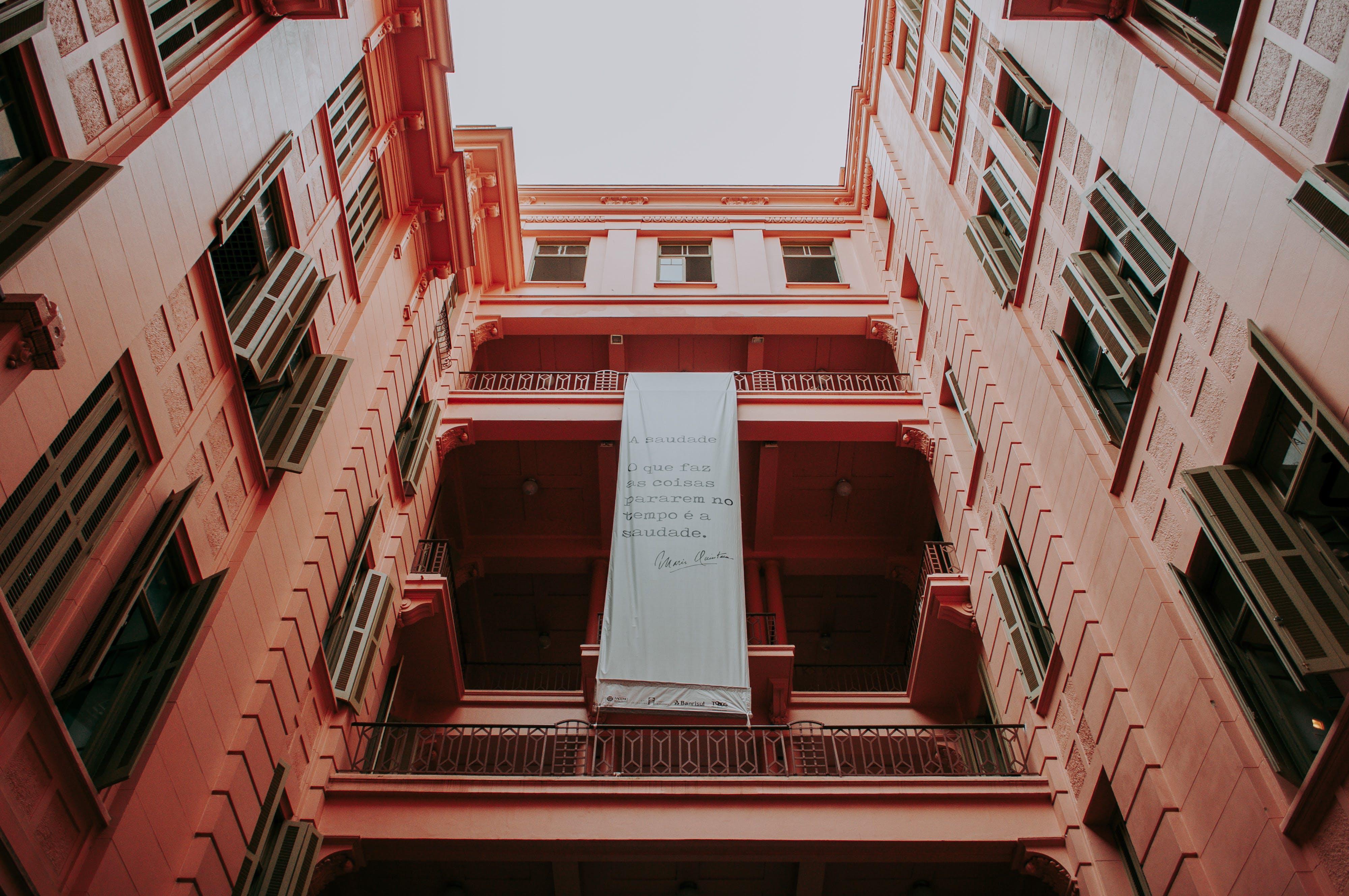 Kostnadsfri bild av arkitektur, byggnad, lägenhet, lågvinkelfoto